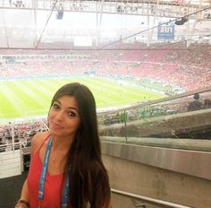 Sem Espanha, repórter musa engrossa a torcida pela seleção brasileira: 'Vamos, Brasil!' | Mundo MS