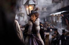 Anna karenina  Interesante puesta en escena, y muy merecidos reconocimientos en diseño de vestuario y producción.