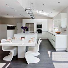 Cocinas blancas, me encantan las sillas!  10 Of The Best Working Family Kitchen Ideas - Seamless family kitchen