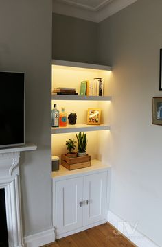 Alcove Storage Living Room, Living Room Cupboards, Built In Shelves Living Room, Alcove Shelving, Cozy Living Rooms, Home Living Room, Living Room Interior, Living Room Designs, Living Room Decor