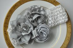 This is a beautiful Shabby Chic Vintage style baby headband. - perfect for pictures -also fits the head of toddlers and up to most 4-5 year olds -Silver