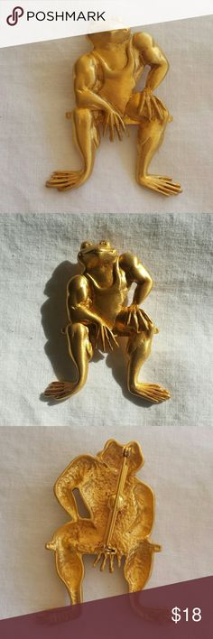 Hilarious bodybuilder frog pin by JJ Hilarious but a little scary bodybuilder frog pin in excellent vintage condition.    Please follow me and like item to be able to see when price drops. Vintage Jewelry Brooches