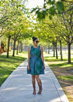 Palm tree print dress from @gap paired with tan gladiator sandals from @justfabonline. A fun Summer look! *Click on the picture to go to the blog post with more pics and details!