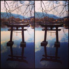 金鱗湖に佇む天祖神社の鳥居 Pt.2 A Torii, a gateway to Tenso jinja shrine, stood in the lake Kinrin (Golden Scale). Pt. 2  #金鱗湖 #鳥居 #天祖神社 #湯布院 #3D #ステレオグラム #寄り目 #stereogram #crosseyed #Kinrin #lake #Tenso #shrine #Yuhuin #oita #kyushu #Japan