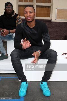 Damian Lillard attends the Menswear Spring/Summer 2016 show as part of Paris Fashion Week on June 2015 in Paris, France. Nba Fashion, Damian Lillard, Style Icons, Nba Style, Portland Trailblazers, Dapper Gentleman, Best Kept Secret, Trail Blazers, Spring Summer 2016