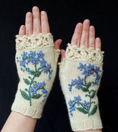 Knitting Patterns Women Hand-knitted Fingerless Gloves, Gloves & Mittens, Gift Ideas For Your Winter -… Crochet Gloves Pattern, Crochet Mittens, Hand Crochet, Hand Knitting, Knitting Patterns, Crocheted Lace, Knitting Ideas, Wrist Warmers, Hand Warmers