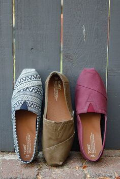 We're falling for these TOMS Slip-on shoes in autumn colors. 🍂