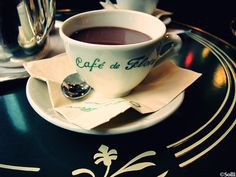 café de flore—the one & only. (paris)