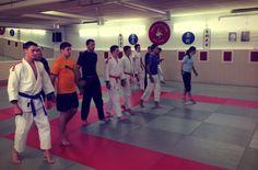 Ju Jitsu Warm Up Workshop im November 2013 an der Kiai Schule in Cham bei Peter Herger. Ju Jitsu, Athletic Training, November 2013, Judo, Athletics, Workshop, Warm, Atelier, Work Shop Garage