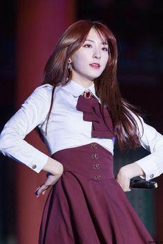Yuehua Entertainment, Starship Entertainment, Cheng Xiao, Cosmic Girls, Blackpink Jisoo, Ulzzang Fashion, Kpop Girls, Girl Group, Queens