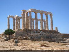 希臘蘇尼翁岬上的波賽頓神殿 | Travelorbs