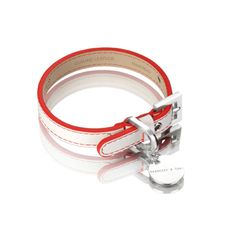 Show off your stylecredentials with this classic, simple Polo dog collar fromHennessy