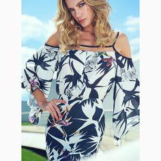 Um 'dress' chic e descomplicado para um final de semana cheio de#SummerVibesRS.#reginasalomao #SS17