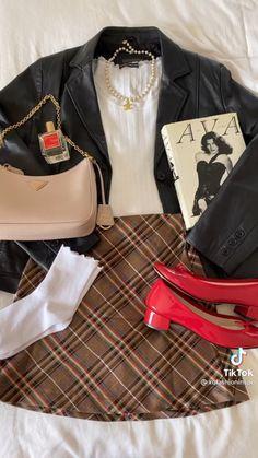 Winter Wardrobe, Blazer, Lifestyle, Jackets, Paris, Photos, Fashion, Fashion Styles, Capsule Wardrobe Winter