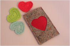 Telefoonhoes van byJuud op Etsy #smartphone #cover #sleeve #case #felt #pink #women #valentine #heart