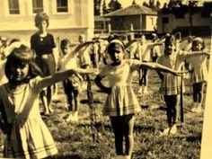 ΓΥΜΝΑΣΤΙΚΕΣ ΕΠΙΔΕΙΞΕΙΣ Old Photos, Vintage Photos, Michael Chabon, Greek Culture, Human Emotions, Historical Photos, Athens, Museums, Greece