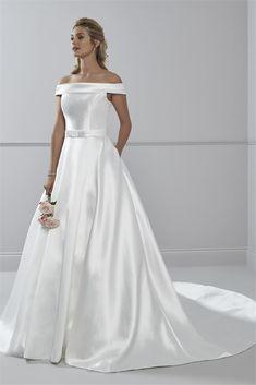 Sharon Wedding Dress from Romantica Princess Wedding Dresses, Dream Wedding Dresses, Classic Wedding Dress, Wedding Looks, On Your Wedding Day, Spring Wedding, Bridal Gowns, Beautiful Dresses, One Shoulder Wedding Dress