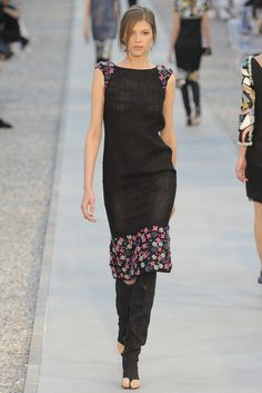 Chanel Resort 2012 Fashion Show - Josephine Skriver