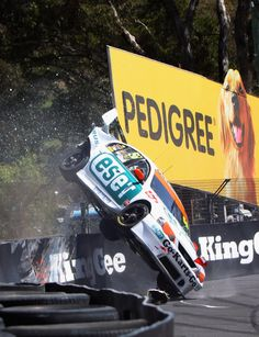 V8 crash at Bathurst