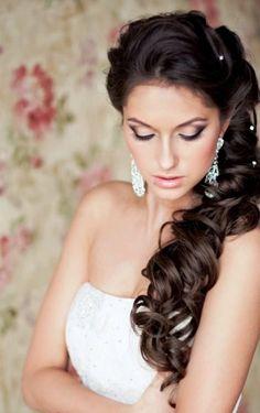 Makijaż ślubny a kolor włosów - porady i inspiracje