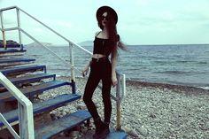 Violet E.  #hipster#grunge#style#fashion#nature#GIRL#black(always follow back) (…