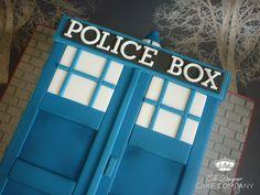 Dr Who tardis cake   Flickr: Intercambio de fotos
