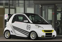 smart car electric drive - introduced in 2009 Smart Passion, Picture Site, Smart Fortwo, Car Images, Car Pictures, Smart Car, Car Wallpapers, Electric Cars, Concept