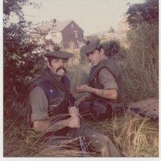 """Stuff the Jubilee"" - The Gordon Highlanders on Patrol in Belfast in - Flashbak Northern Ireland Troubles, Uk Arms, Northern Island, Green Farm, Military Pictures, Highlanders, Scottish Tartans, Modern Warfare, British Army"