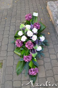 Kwiaciarnia Azalia :: Bukiety okolicznościowe, Florystyka Ślubna, Komunijna, Żałobna, Dekoracje Casket Flowers, Grave Flowers, Funeral Flowers, Silk Flowers, Tropical Flower Arrangements, Funeral Flower Arrangements, Funeral Caskets, Cemetery Decorations, Casket Sprays
