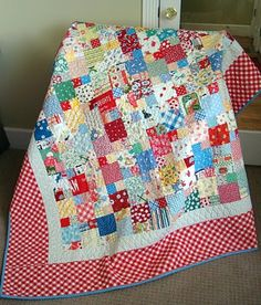 picnic quilt (free pattern) 2 1/2 and 4 1/2 squares. Sew 6 of these blocks together to make a 12 1/2 square. For a lap size or twin size, you will need 35 blocks.