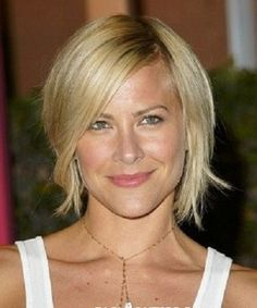Wedge Haircut Pictures Is Right Here. If you are looking for cool short wedge hairstyles for women, check it out Shaggy Short Hair, Medium Short Hair, Medium Hair Cuts, Shaggy Bob, Medium Long, Short Blonde, Blond Bob, Long Shag, Short Bobs