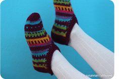 Susannan Työhuone - päiväkirja vanhalta rautatieasemalta: Tossuttimia Socks, Knitting, Tricot, Breien, Sock, Stricken, Weaving, Knits, Stockings