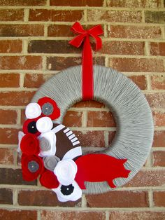 Keeping up with the Joneses: Razorback Wreaths
