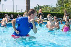¡La actividad no para en nuestra piscina! The activity doesn't stop in our swimmingpool!