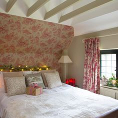Traditional bedroom pictures and photos for your next decorating project. Find inspiration from of beautiful living room images Pink Bedrooms, Bedroom Red, Dream Bedroom, Modern Bedroom, Bedroom Decor, Bedroom Ideas, Bedroom Inspo, Bedroom Inspiration, French Style Decor