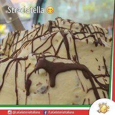 Gelato de Flocos (Straciatella) com sabor maravilhoso e incrível.  by lagelateriaitaliana http://ift.tt/1O1LZyj
