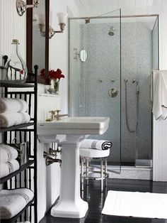 ☆ Walk-in shower