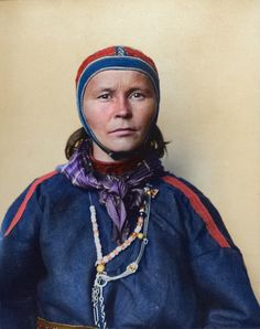 Beautiful Colorized Photos of Immigrants in Their Traditional Dresses at the Ellis Island Immigration Station in the Early 20th Century