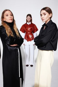 Mary Kate and Ashley Olsen W May 2015 in the Row photographed by Nigel Parry Ashley Mary Kate Olsen, Ashley Olsen Style, Olsen Twins Style, Elizabeth Olsen, Full House, The Row, Olsen Sister, White Wide Leg Pants, Fashion Gone Rouge