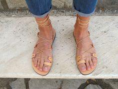 Sandalias de Gladiador de cuero de los hombres. Disponible en