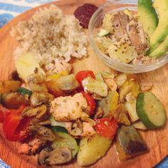 \今年最初のお家ご飯/  今年始まってもう6日目だけど、今日が初めての料理(*'ω' *)! 『グリルプレートご飯』  スタート好調❤️❤️ #2015年 #スタート #初めて #お家ご飯 #手料理 #野菜 #グリル #プレート #ポテトサラダ #玄米 #cooking #vegetable #instagood #instacook
