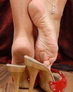 #footfetish #solesporn #solesfetish #solesiwouldlick #mulesporn #mulesfetish