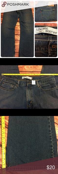 Levi 527 boot fit Low rise jeans Levi 527 low rise Boot fit medium wash jeans. Levi's Jeans Bootcut