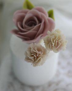 앙금오브제 카네이션~^^ #대구플라워케이크 #대구꽃배움반 #대구앙금플라워 #대구앙금꽃배움반 #대구앙금플라워떡케이크  #플라워케이크 #flower #flowers #flowercake #작약 #beanflower #atelierryeo #떡케이크 #대구플라워케익 #캐논100d #캐논사진 #홍화 #앙금플라워떡케이크 #양귀비 #앙금레이스 #フラワーケーキ #花蛋糕 #대구앙금오브제 #naturalpowder #앙금도일리레이스 #2단케이크 #koreacake #koreaflowercake #와라타 #앙금오브제