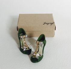Handmade miniature shoes by YinyingO on Etsy