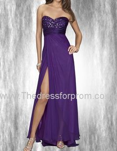 This bright and royal purple A-line floor-length chiffon prom dress is mean to exude a sense of being graceful and gracious. The shining beaded sweetheart neckline strapless and backless together is calling out her superb charm, and with the empired waist, she looks more enchanting and glamorous, mature yet impressive. And the draping long dress with slit extraordinarily brings out her self-confidence.