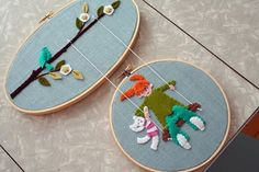 How I love this, if only my felt applique skills were anything but nonexistant. Embroidery Hoop Art, Embroidery Applique, Cross Stitch Embroidery, Machine Embroidery, Art Folder, Felt Applique, Felt Crafts, Handmade Crafts, Decor Crafts