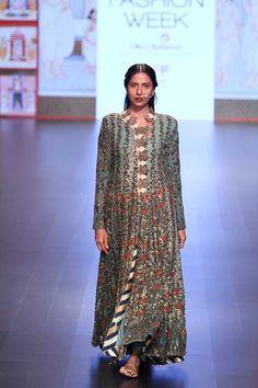 Myra Magazine • Divya Sheth | Lakmé Fashion Week A/W 2016 • http://www.myramagazine.com/home/2016/9/10/divya-sheth-lakm-fashion-week-aw-2016