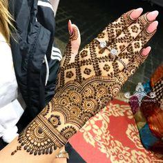 ideas tattoo flower blackwork tatoo for 2019 Back Hand Mehndi Designs, Dulhan Mehndi Designs, Mehndi Design Pictures, Wedding Mehndi Designs, Mehndi Designs For Fingers, Unique Mehndi Designs, Beautiful Mehndi Design, Latest Mehndi Designs, Mehndi Images