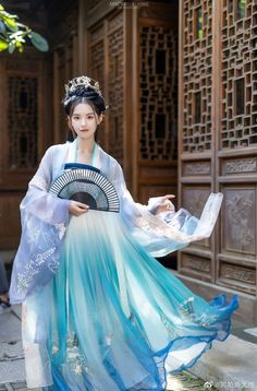 Oriental Dress, Oriental Fashion, Korean Fashion Winter, Asian Fashion, Traditional Fashion, Traditional Dresses, Beautiful Chinese Girl, Chinese Clothing, Chinese Culture